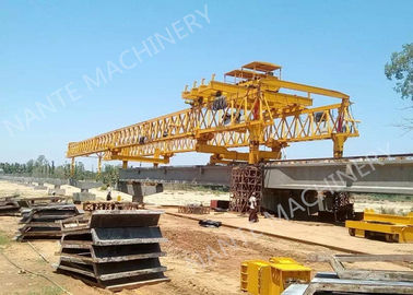 Trung Quốc Beam Launcher Gantry Crane for railway construction project with Reliable performance nhà phân phối